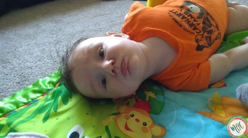 baby puckering lips